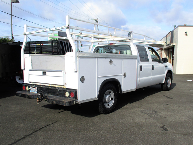 ES2006.H. 2006 FORD F250 9 ft. Four-door Crewcab Service / Utility Truck from Town and Country Truck and Trailer Sales, Kent (Seattle), WA.