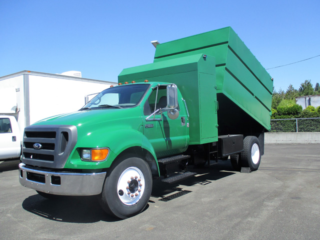 6454.C. 2005 Ford F650 14 ft. Chipper Dump Truck from Town and Country Truck and Trailer Sales, Kent (Seattle), WA.