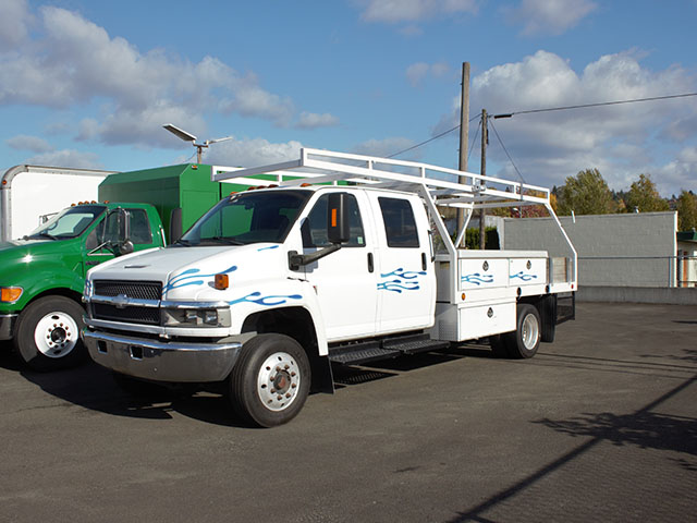 2006 CHEVROLET C4500 12 ft. Crewcab Flatbed Truck from Town and Country Truck and Trailer Sales, Kent (Seattle), WA.