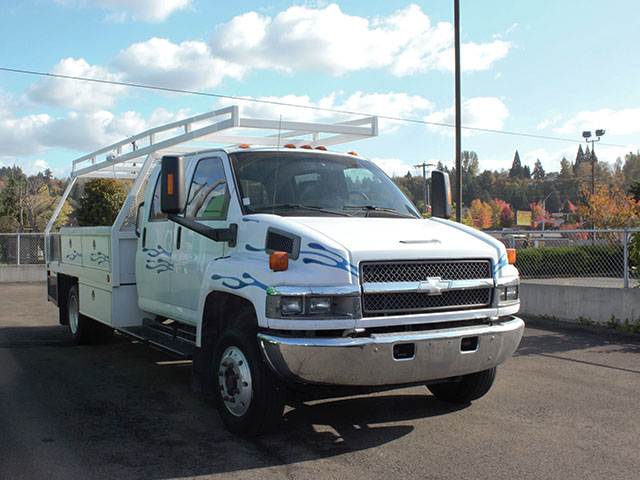 ES2006A.B. 2006 CHEVROLET C4500 12 ft. Crewcab Flatbed Truck from Town and Country Truck and Trailer Sales, Kent (Seattle), WA.