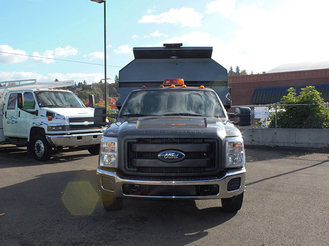 6482.C. 2011 Ford F350 Super Duty 2-3 Yard Dump Truck from Town and Country Truck and Trailer Sales, Kent (Seattle), WA.