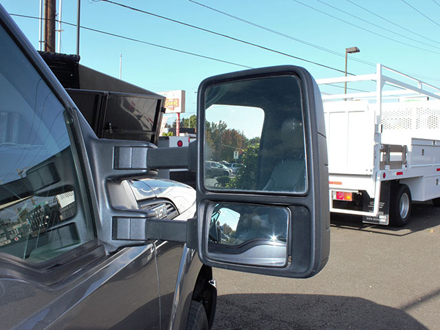 6482O. 2011 Ford F350 Super Duty 2-3 Yard Dump Truck from Town and Country Truck and Trailer Sales, Kent (Seattle), WA.