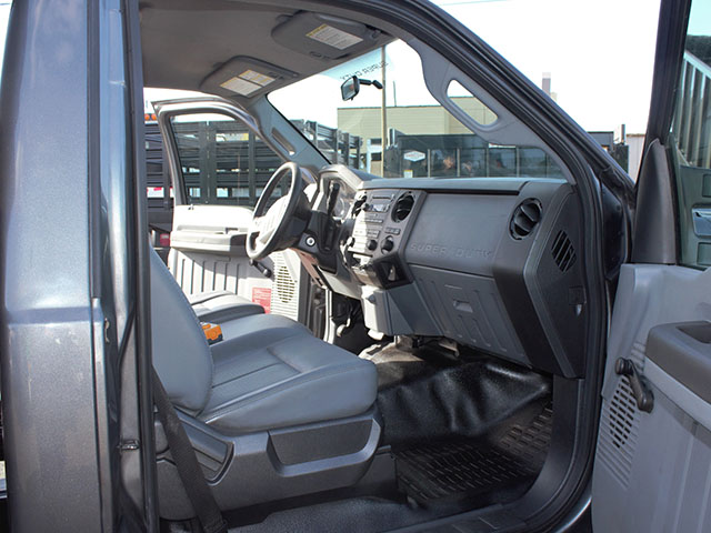 6482.P. 2011 Ford F350 Super Duty 2-3 Yard Dump Truck from Town and Country Truck and Trailer Sales, Kent (Seattle), WA.