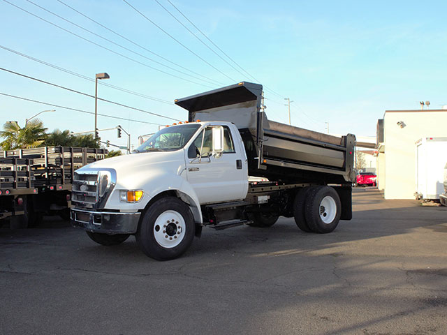 2005 FORD F650 Super Duty 5 Yard Non-CDL Dump Truck from Town and Country Truck and Trailer Sales, Kent (Seattle), WA.