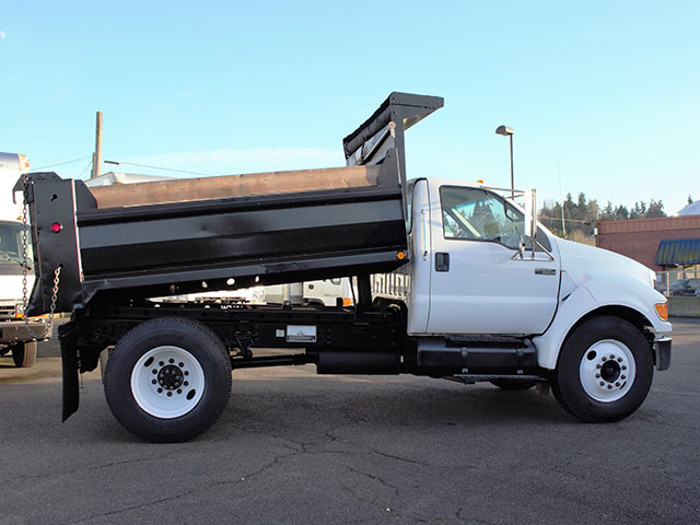 6471.B. 2005 FORD F650 Super Duty 5 Yard Non-CDL Dump Truck from Town and Country Truck and Trailer Sales, Kent (Seattle), WA.