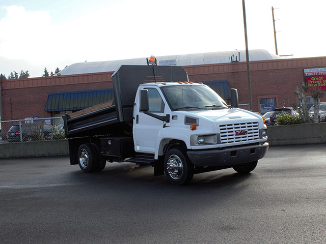 2005 Chevrolet Kodiak C5500 11 ft. Dump Truck from Town and Country Truck and Trailer Sales, Kent (Seattle), WA.