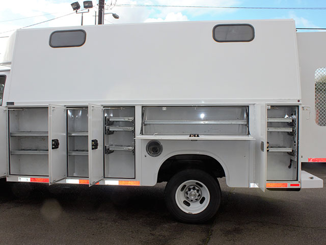 6526.L. 2008 CHEVROLET 3500 Covered Service Utility Van from Town and Country Truck and Trailer Sales, Kent (Seattle), WA.