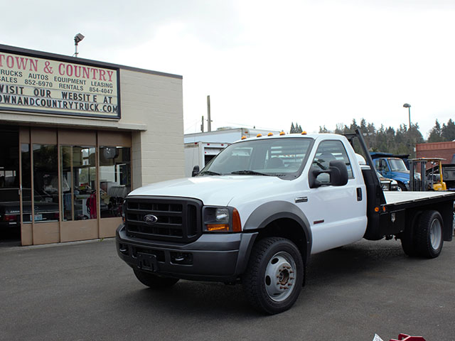 20005 FORD F450 SUPER DUTY 11 ft. flatbed truck from Town and Country Truck and Trailer Sales, Kent (Seattle), WA.