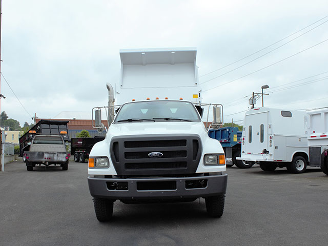 6555.D. 2009 FORD F750 5 Yard Dump Truck from Town and Country Truck and Trailer Sales, Kent (Seattle), WA.