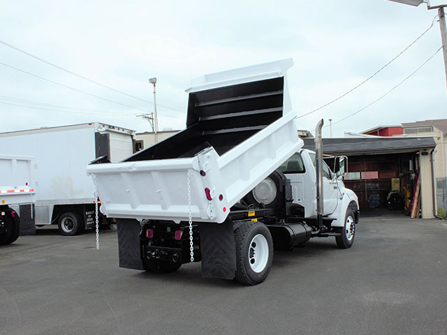 6555.H. 2009 FORD F750 5 Yard Dump Truck from Town and Country Truck and Trailer Sales, Kent (Seattle), WA.