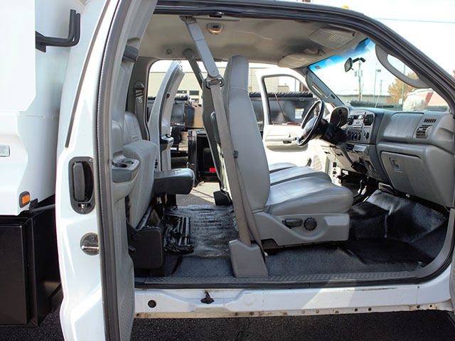6657.L. 2012 Ford F550 4x4 Superduty four door Super Cab 2 ½ - 3 yard dump truck from Town and Country Truck and Trailer Sales, Kent (Seattle), WA.