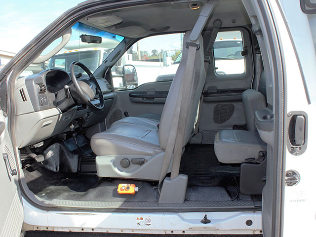 6657.M. 2012 Ford F550 4x4 Superduty four door Super Cab 2 ½ - 3 yard dump truck from Town and Country Truck and Trailer Sales, Kent (Seattle), WA.