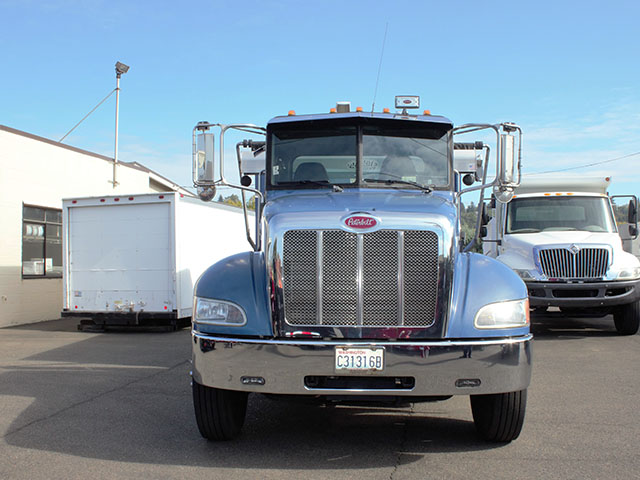 ES2014.B. 2014 Peterbuilt 337 Non-CDL Roll Off truck from Town and Country Truck and Trailer Sales, Kent (Seattle), WA.