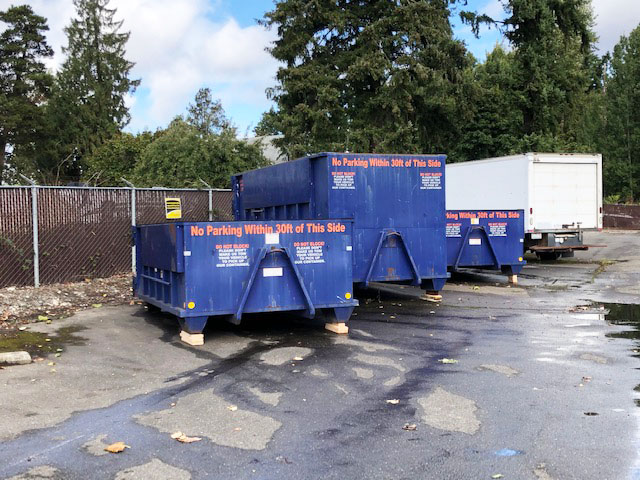 ES2014.H. 2014 Peterbuilt 337 Non-CDL Roll Off truck from Town and Country Truck and Trailer Sales, Kent (Seattle), WA.