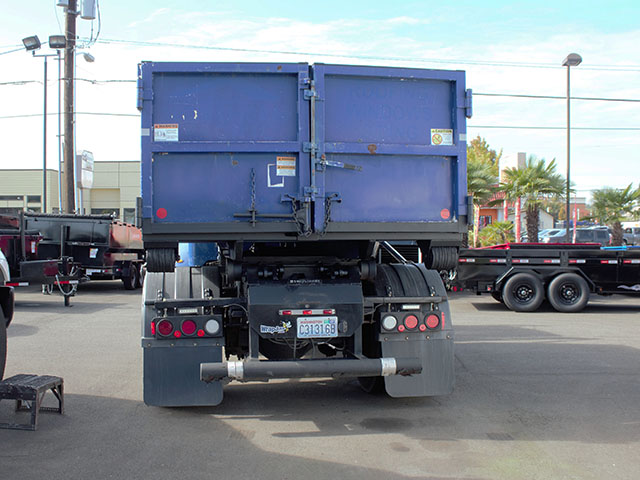 ES2014.O. 2014 Peterbuilt 337 Non-CDL Roll Off truck from Town and Country Truck and Trailer Sales, Kent (Seattle), WA.
