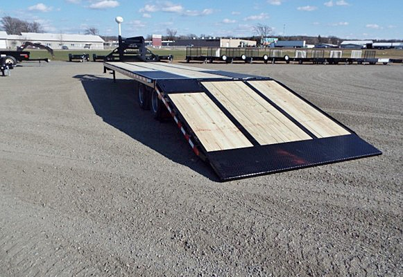 C. FBGN Series Gooseneck Flatbed Trailers from Town and Country Commercial Trailer and Truck Sales, Kent (Seattle), WA