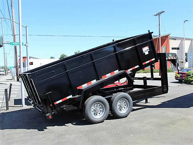 GN10. Snake River gooseneck trailers from Town and Country Truck and Trailer, Kent (Seattle) WA