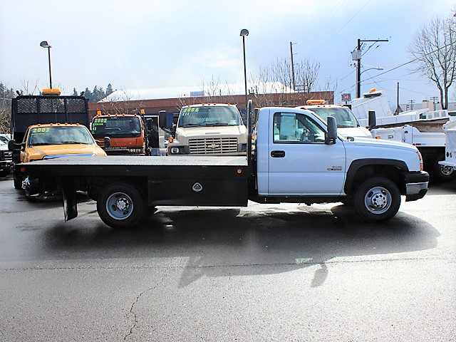 6116.B. 2007 CHEVROLET Silverado Non-CDL 12 ft. Flatbed Truck from Town and Country Commercial Truck and Trailer Sales, Kent (Seattle), WA