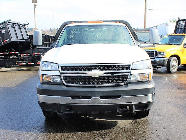 6116.C. 2007 CHEVROLET Silverado Non-CDL 12 ft. Flatbed Truck from Town and Country Commercial Truck and Trailer Sales, Kent (Seattle), WA