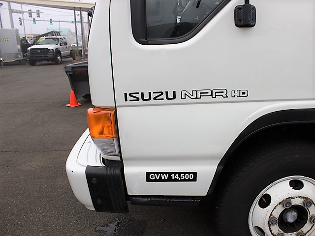 6096.F. 2005 ISUZU NPR 14 ft. box truck from Town and Country Commercial Truck and Trailer Sales, Kent (Seattle), WA