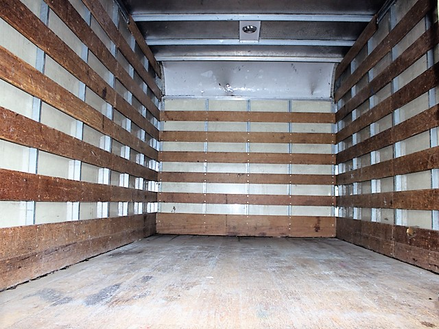 6096.I. 2005 ISUZU NPR 14 ft. box truck from Town and Country Commercial Truck and Trailer Sales, Kent (Seattle), WA