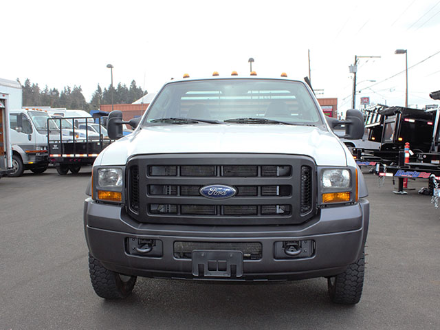 6551.B. 20005 FORD F450 SUPER DUTY 11 ft. flatbed truck from Town and Country Truck and Trailer Sales, Kent (Seattle), WA.