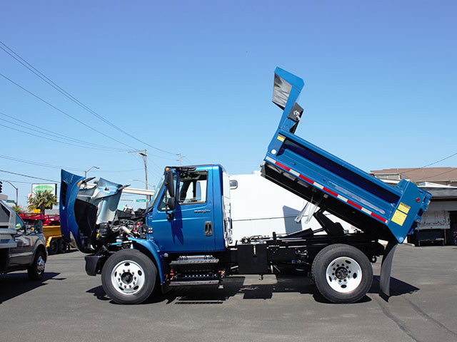6554.B. 2008 INTERNATIONAL 4300 5 Yard dump truck from Town and Country Truck and Trailer Sales, Kent (Seattle), WA.