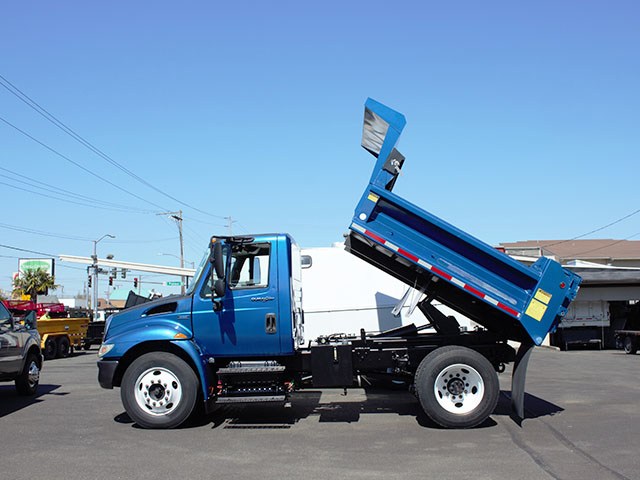 6554.C. 2008 INTERNATIONAL 4300 5 Yard dump truck from Town and Country Truck and Trailer Sales, Kent (Seattle), WA.