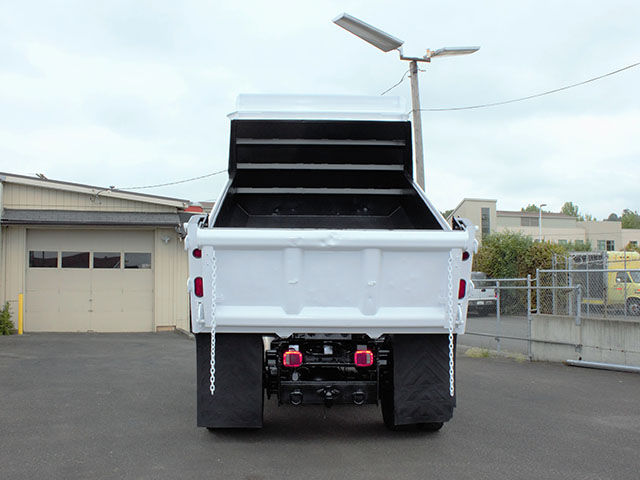 6555.I. 2009 FORD F750 5 Yard Dump Truck from Town and Country Truck and Trailer Sales, Kent (Seattle), WA.
