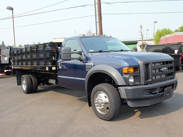 6633.B. 2009 FORD F550 SUPER DUTY 14 ft. flatbed truck from Town and Country Truck and Trailer Sales, Kent (Seattle), WA.