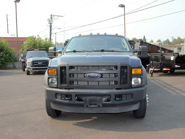 6633.E. 2009 FORD F550 SUPER DUTY 14 ft. flatbed truck from Town and Country Truck and Trailer Sales, Kent (Seattle), WA.