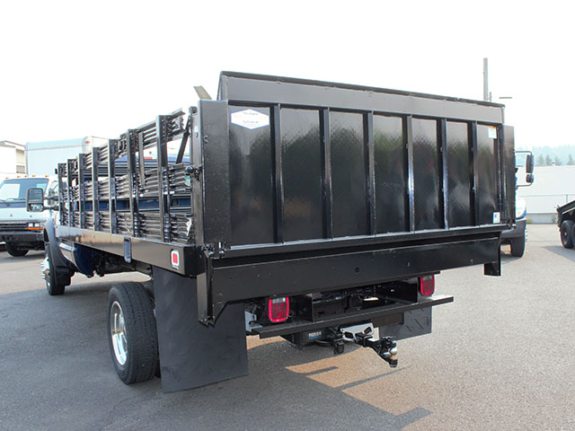 6633.I. 2009 FORD F550 SUPER DUTY 14 ft. flatbed truck from Town and Country Truck and Trailer Sales, Kent (Seattle), WA.